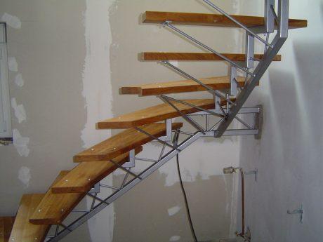 escalier structure légère limon déporté