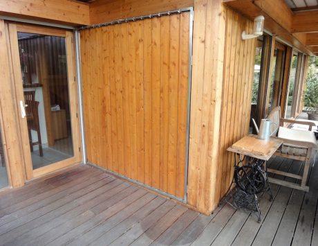persiennes verticales mobiles en bois sur ch ssis inox metal concept escalier ferronnerie d. Black Bedroom Furniture Sets. Home Design Ideas