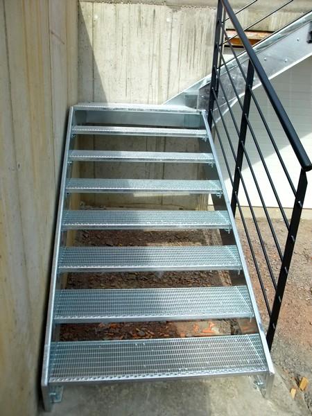 escalier exterieur 3 marches metal