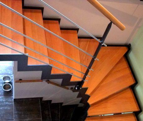 escalier int rieur avec limon cr maill re metal concept. Black Bedroom Furniture Sets. Home Design Ideas