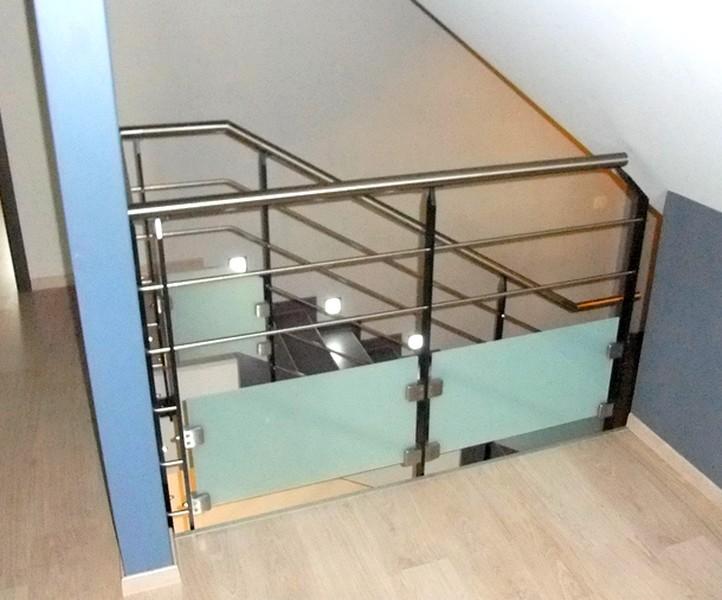 garde corps et rampe int rieur metal concept escalier ferronnerie d 39 art alsace ferronnier. Black Bedroom Furniture Sets. Home Design Ideas
