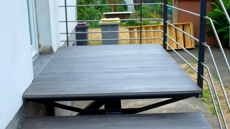 escalier ext rieur marches en gr s c ramique metal concept escalier ferronnerie d 39 art. Black Bedroom Furniture Sets. Home Design Ideas