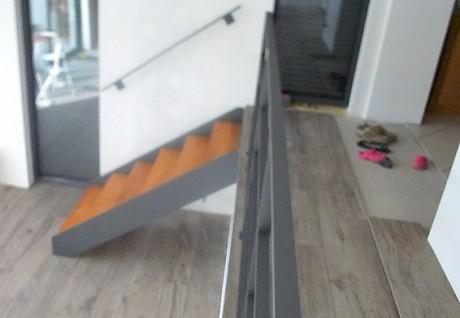 garde corps en fer plat et son escalier metal concept escalier ferronnerie d 39 art alsace. Black Bedroom Furniture Sets. Home Design Ideas